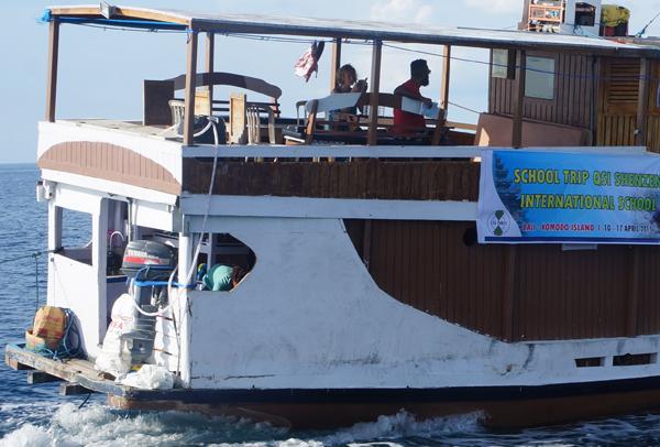 1 Hari pulau Komodo