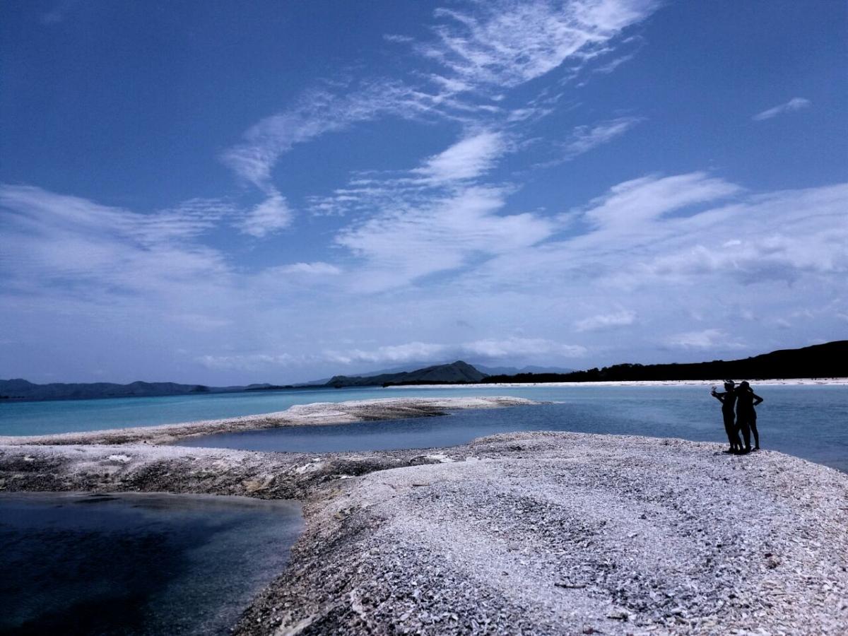 Paket Tour Pulau Lombok 3 Hari 2 Malam Wisata Komodo Photo Gallery