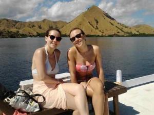Bersantai di atas Boat