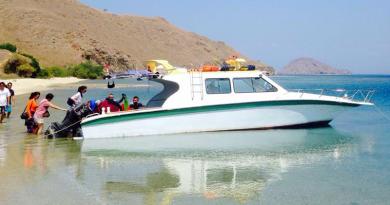 tour komodo dengan speed boat